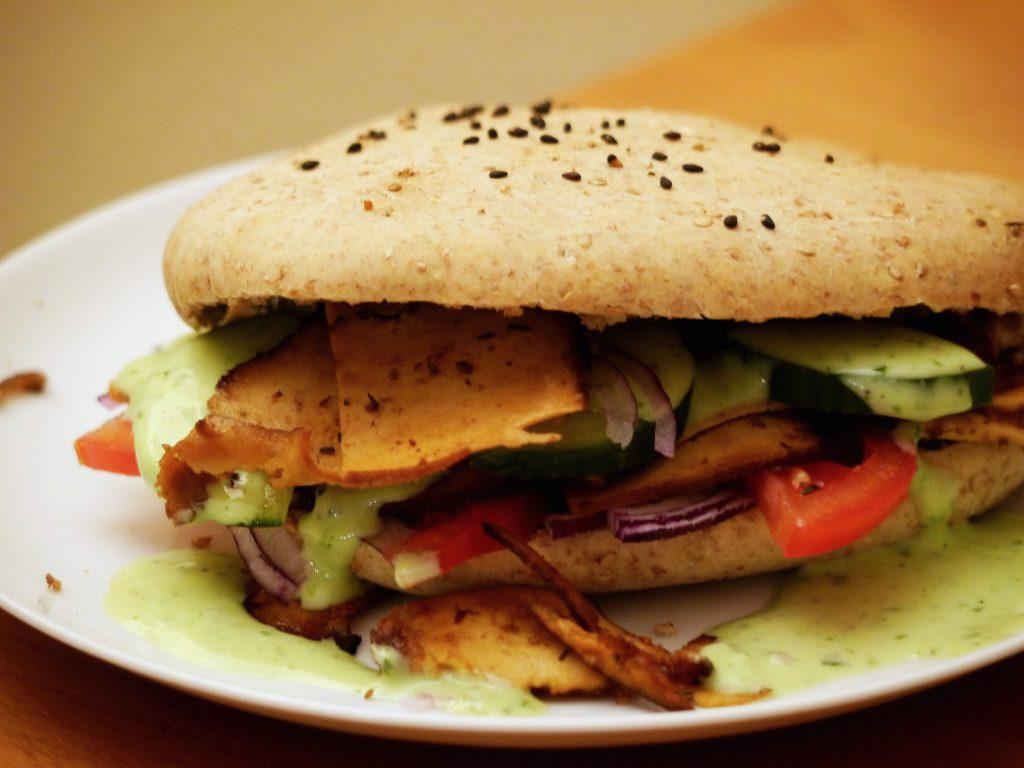 raeuchertofu-doener-baerlauch-vegan-paradiesfutter