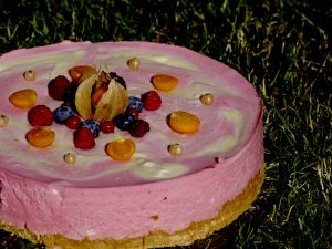 Mango-Himbeer-Creme-Torte