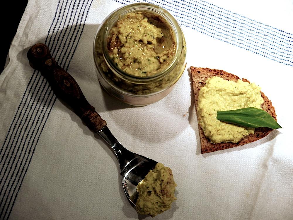 veganer-baerlauch-hummus-paradiesfutter