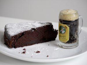 Schwarzbier-Schokoladen-Kuchen