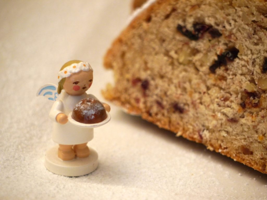 veganer-advents-stollen-crannberries-paradiesfutter