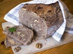 Schnelles Walnuss-Vollkorn-Brot
