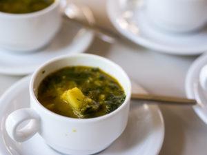 Linsen-Curry mit Kartoffel und Spinat